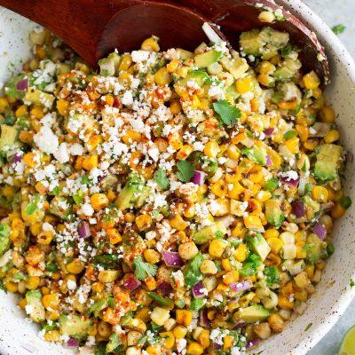 Мексиканский салат с кукурузой-гриль и авокадо - рецепт с фото
