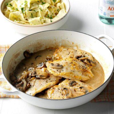 Куриная грудка в сливочном соусе с грибами - рецепт с фото