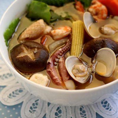 Сырный суп Са Ча с морепродуктами и грибами - рецепт с фото