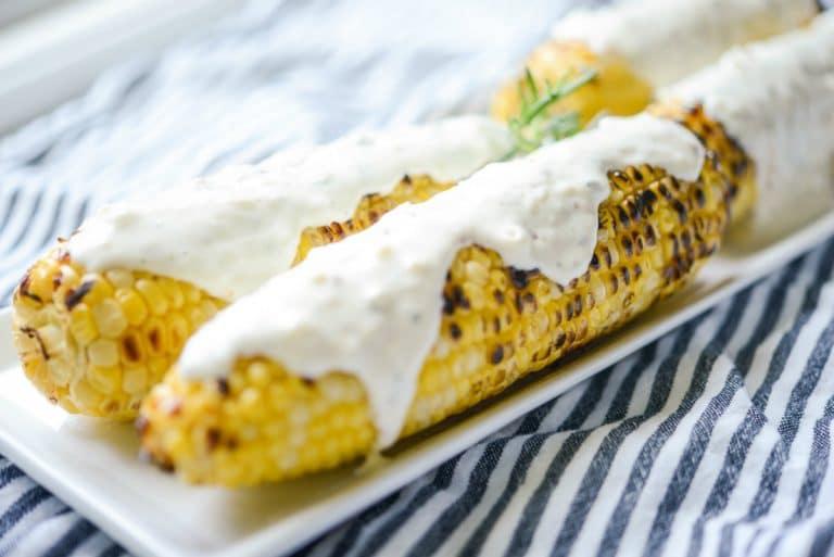 Кукуруза гриль со сметанно-сырной заправкой