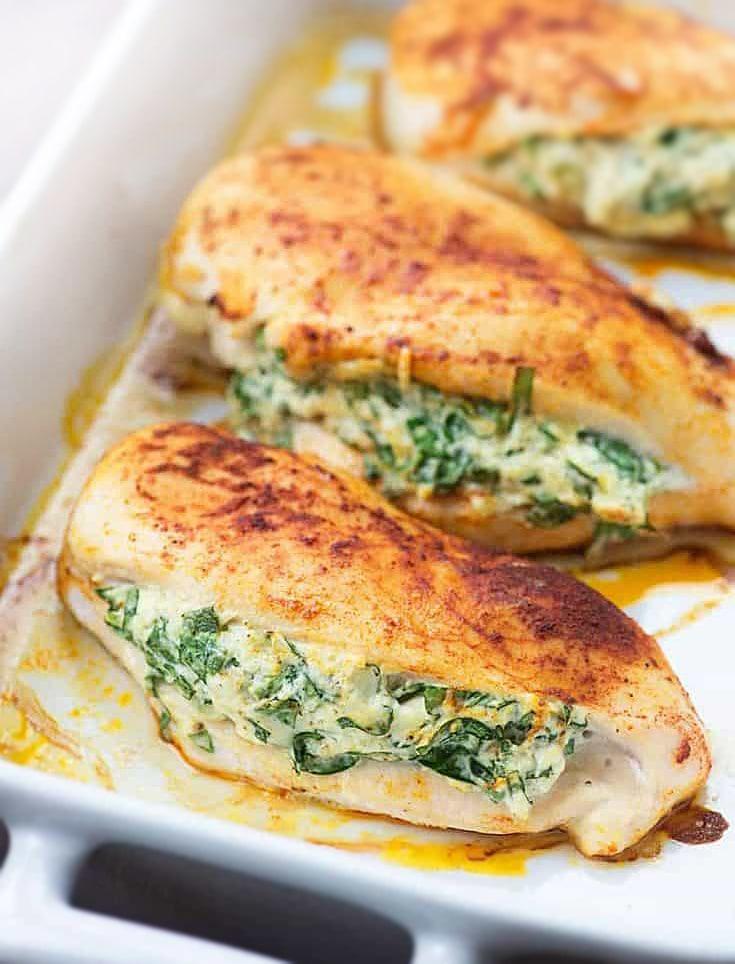 """Куриные """"кармашки"""", фаршированные сыром и шпинатом"""