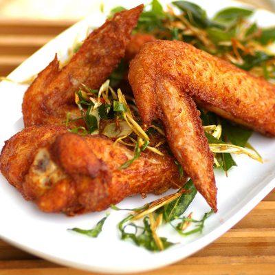 Острые крылышки в томатной пасте - рецепт с фото