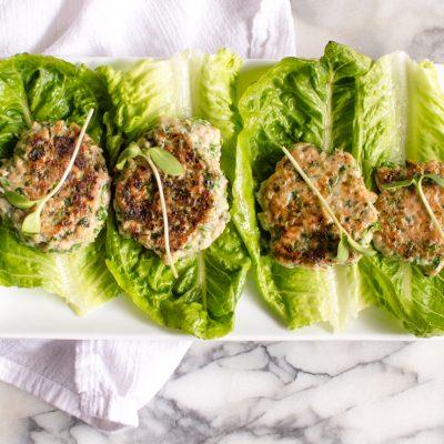 Сочные куриные котлеты с кабачком и луком - рецепт с фото