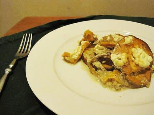 Запеченный сладкий картофель с козьим сыром - рецепт с фото