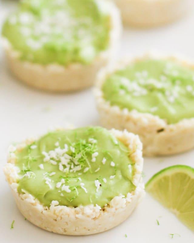 Тарталетки без запекания с муссом из авокадо