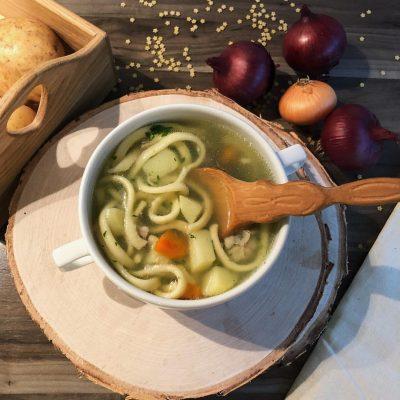 Токмач – турецкий суп с домашней лапшой и овощами - рецепт с фото