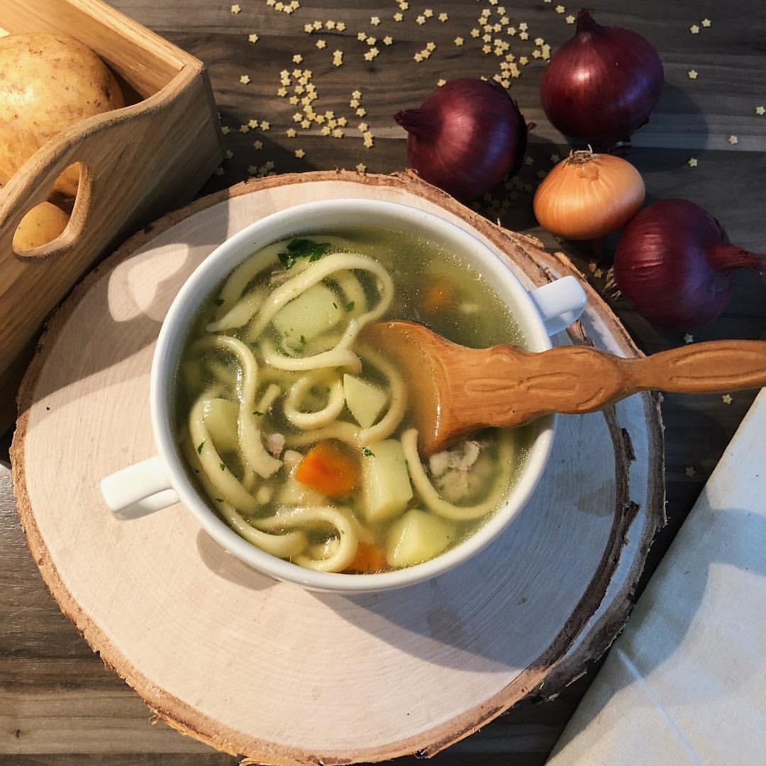 Токмач – турецкий суп с домашней лапшой и овощами