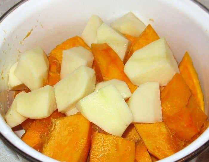 Фото рецепта - Крем-суп из тыквы с лимоном - шаг 2