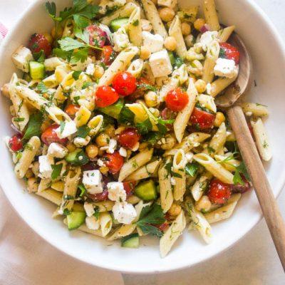Овощной салат с макаронами и сыром - рецепт с фото