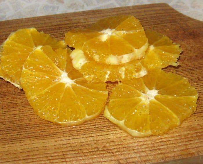 Фото рецепта - Салат с авокадо и апельсином в лимонно-медовой заправке - шаг 3