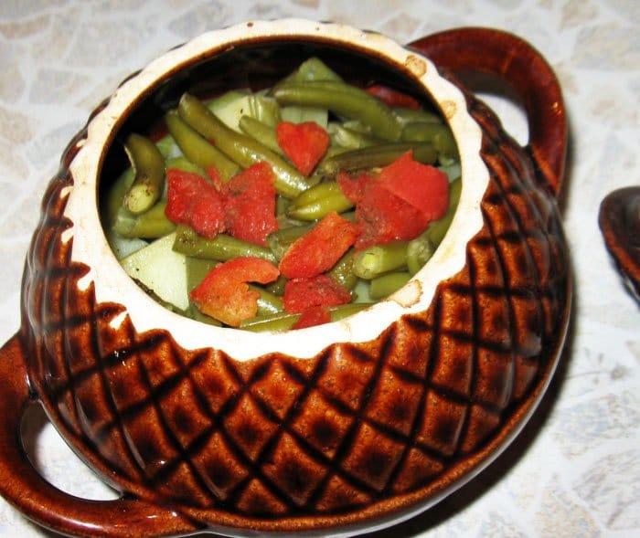Мясо в горшочке с картошкой и фасолью - рецепт с фото