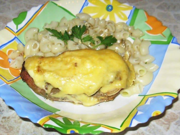 Говядина с сыром и луком