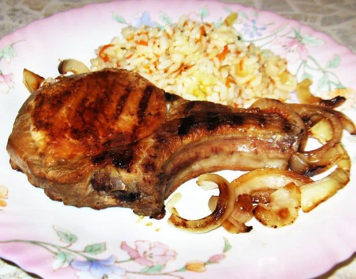 Фото рецепта - Свиная котлета на кости в маринаде - шаг 6