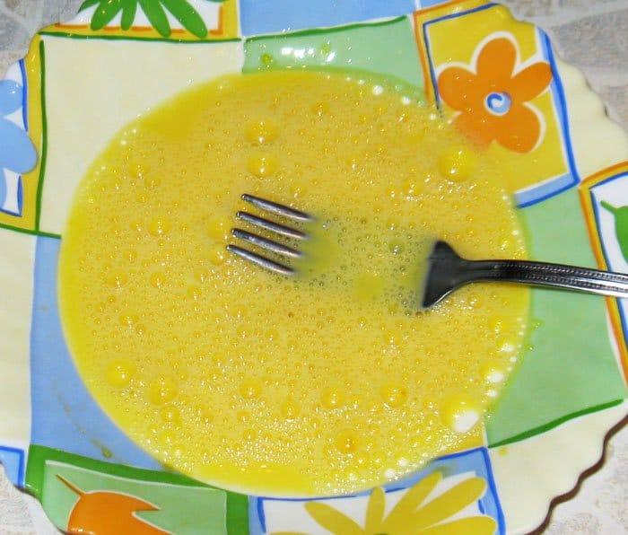 Фото рецепта - Тосты «Бедный рыцарь» на завтрак - шаг 2