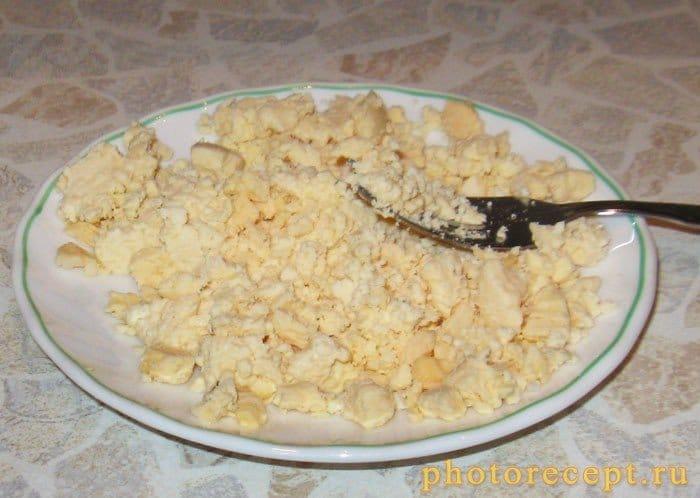 Фото рецепта - Мясо под яичным соусом с грибами - шаг 3