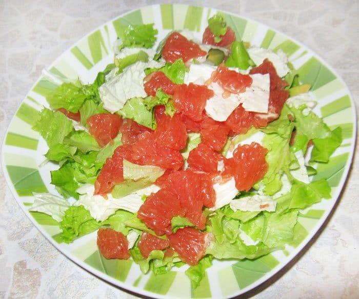 Фото рецепта - Салат с семгой и грейпфрутом - шаг 3