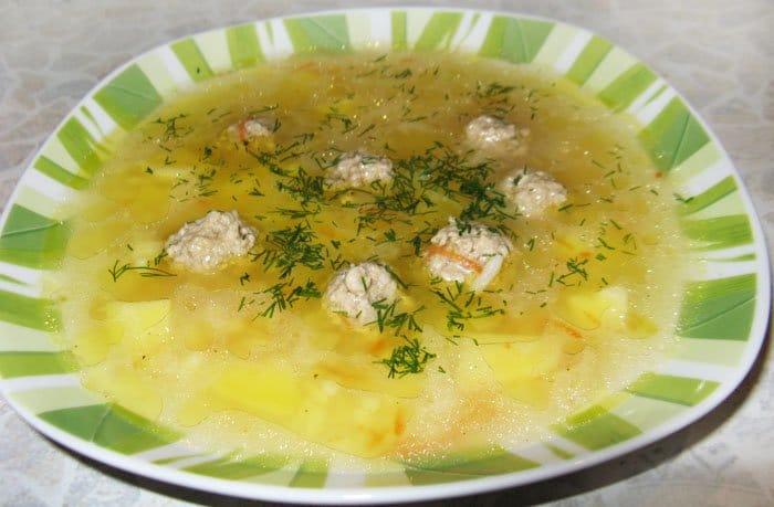 Суп с фрикадельками и рисом - рецепт с фото