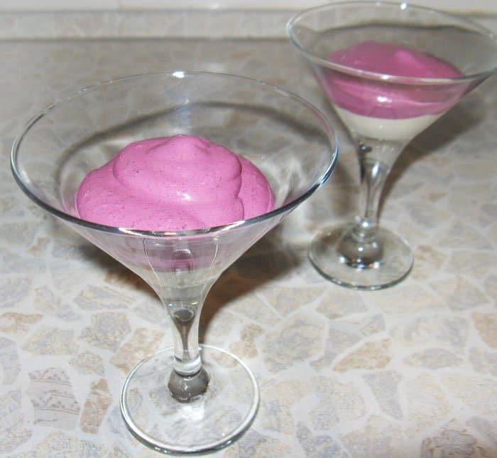 Фото рецепта - Десерт из творога, мороженого и маскарпоне - шаг 4