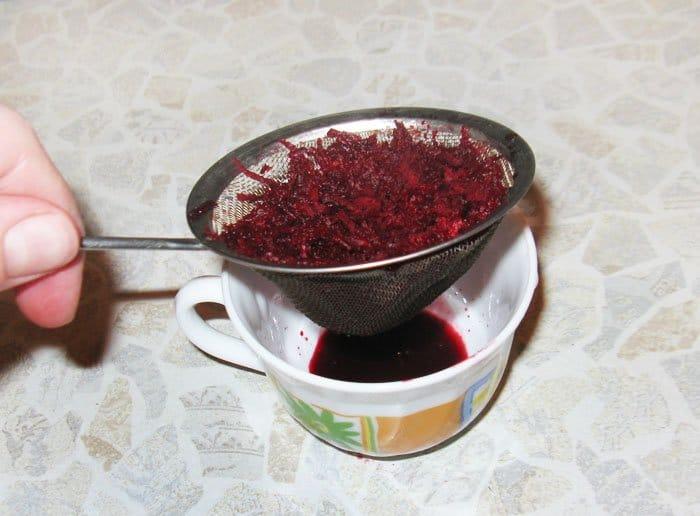 Фото рецепта - Как украсить салат цветами - шаг 2