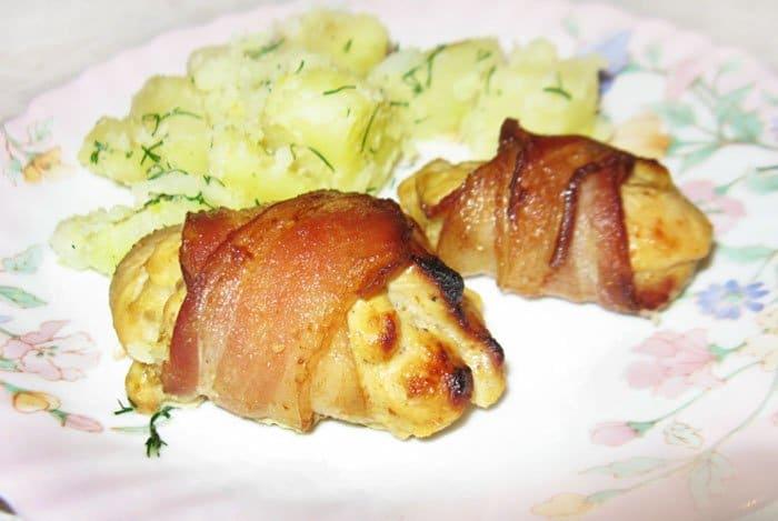 Куриные рулеты в беконе - рецепт с фото