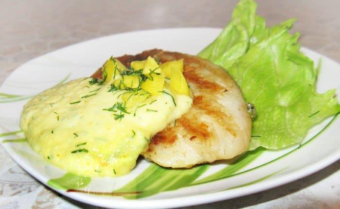 Фото рецепта - Палтус под соусом из манго - шаг 7
