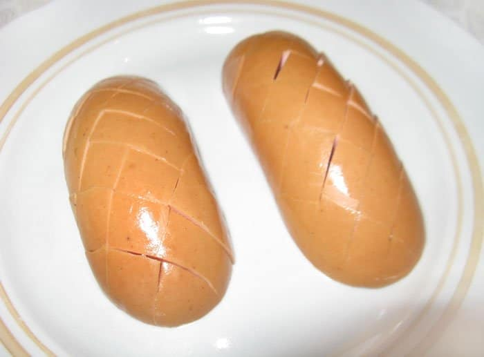 Фото рецепта - Сардельки-шишки - шаг 2