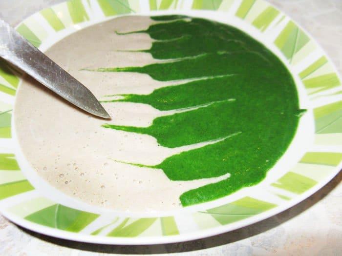 "Фото рецепта - Грибной суп-пюре ""Дуэт"" со шпинатом - шаг 8"