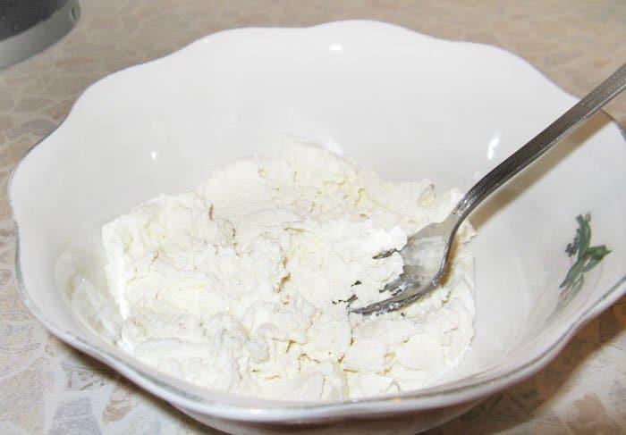 Фото рецепта - Творожные лепешки с картофелем - шаг 2