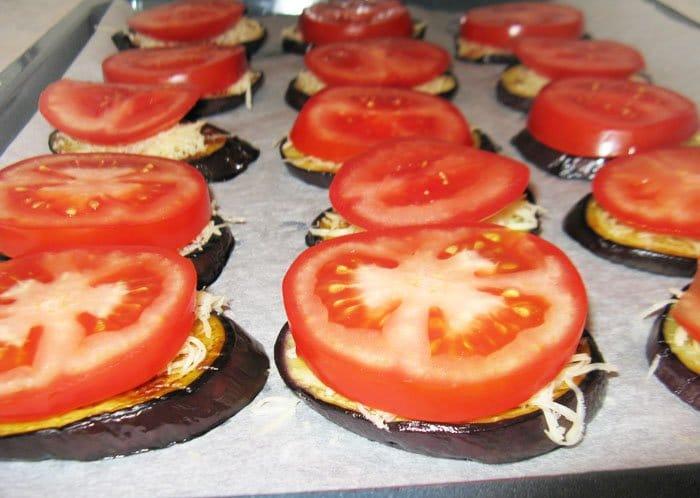 Фото рецепта - Баклажаны с сыром и помидорами из духовки - шаг 5