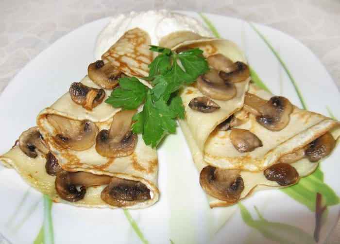 Блины с грибами - рецепт с фото