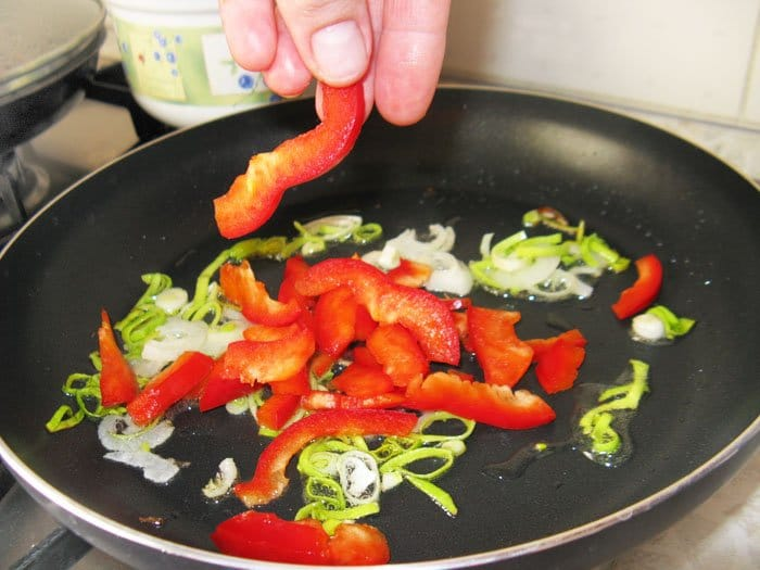 Фото рецепта - Отбивное куриное филе с цукини и спаржей - шаг 8