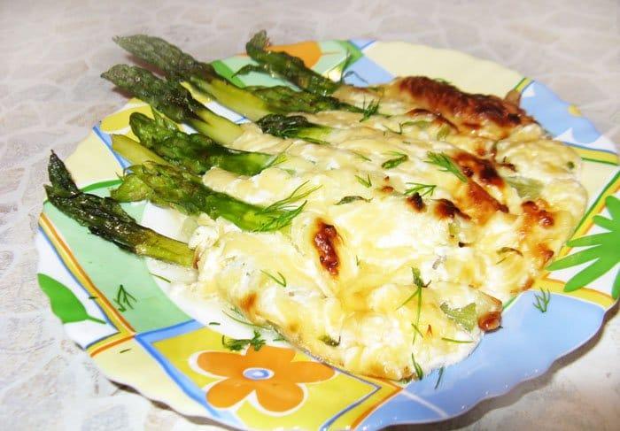 Спаржа, запеченная в сыре - рецепт с фото