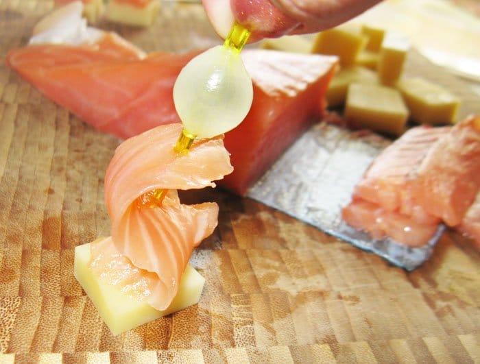 Фото рецепта - Закуска по-итальянски -семга с сыром - шаг 4