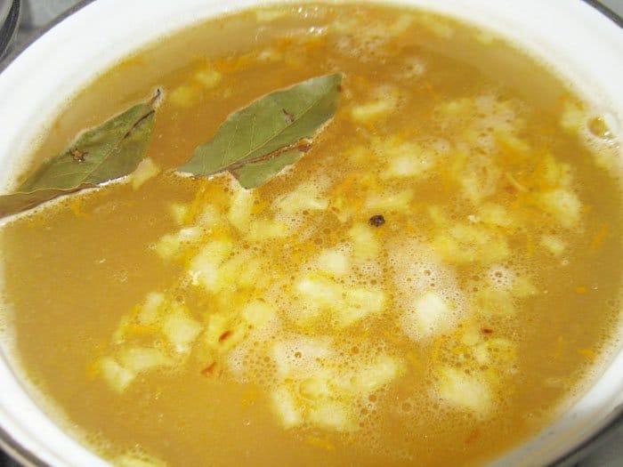 Фото рецепта - Куриный суп с гречкой - шаг 4