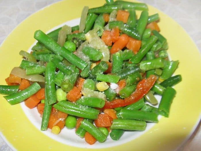 Фото рецепта - Кальмары фаршированные овощами - шаг 1