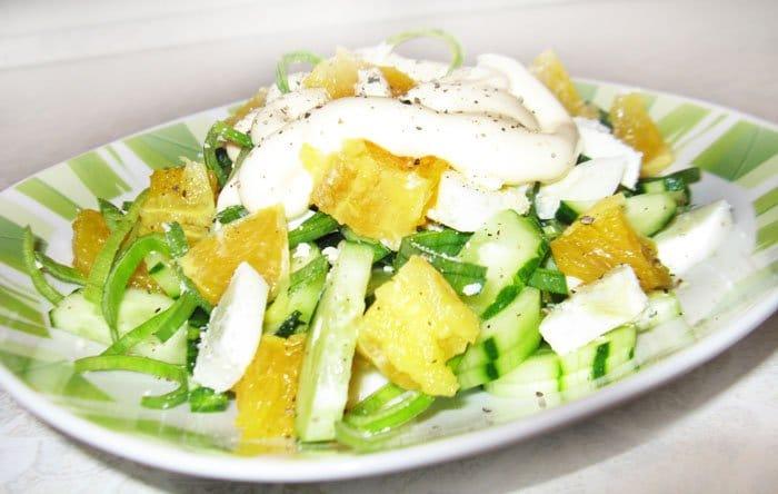 Салат из огурца с апельсином и яйцом - рецепт с фото