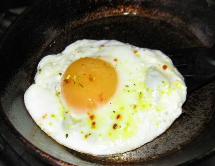 Фото рецепта - Спаржа с яйцом и беконом - шаг 3