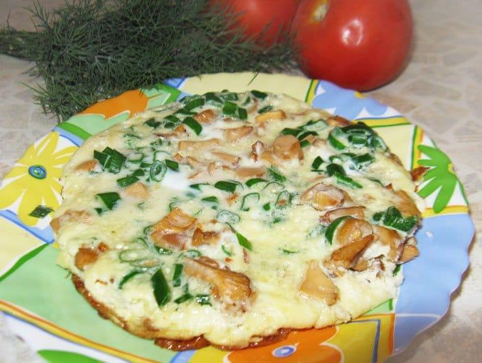 Омлет с лисичками - рецепт с фото