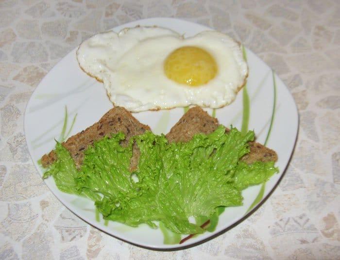 Фото рецепта - Пейзаж для детей из яйца- оформление блюда - шаг 3