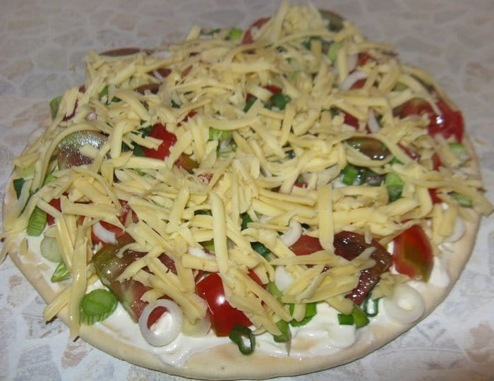 Фото рецепта - Пицца со спаржей и помидорами - шаг 4