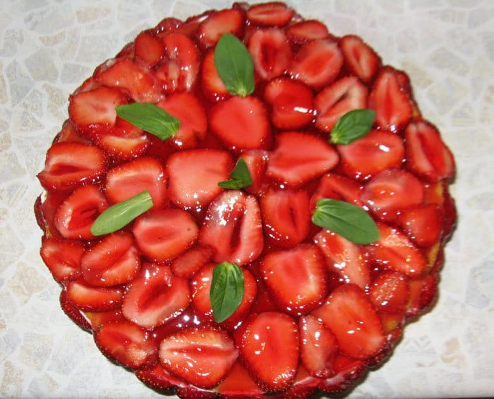Фото рецепта - Торт с клубникой - шаг 7