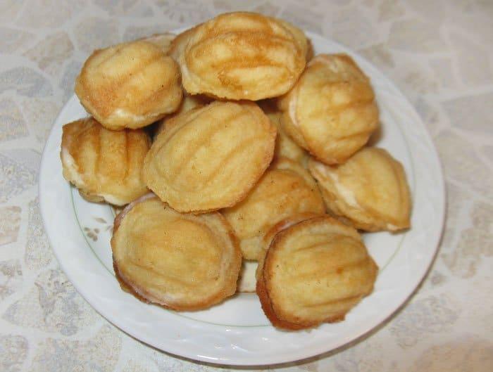 Печенье-сладкие орешки с заварным кремом