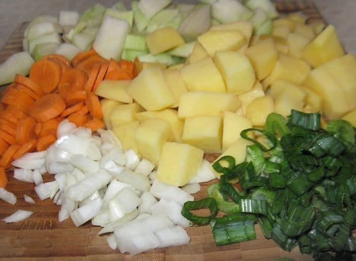 Фото рецепта - Овощной суп-пюре из кольраби с куриными клецками - шаг 3