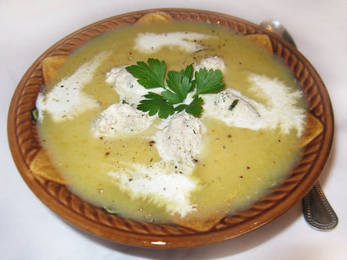 Овощной суп-пюре из кольраби с куриными клецками - рецепт с фото