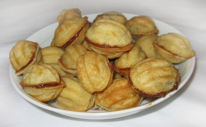 Печенье – хрустящие орешки со сгущенкой