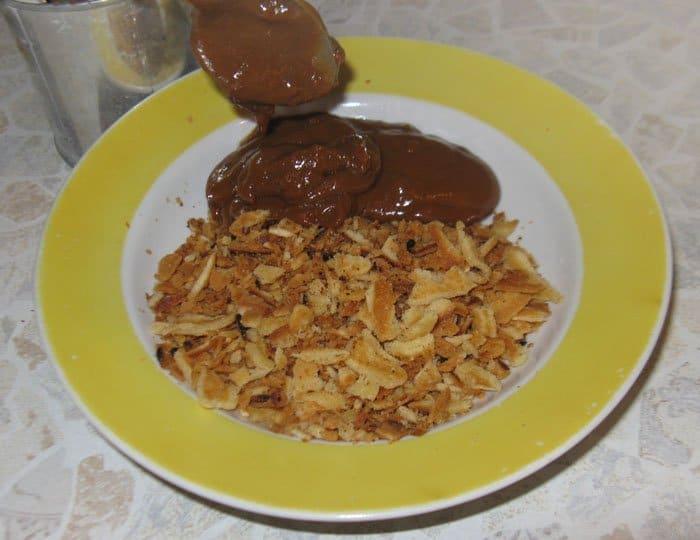 Фото рецепта - Печенье – хрустящие орешки со сгущенкой - шаг 7