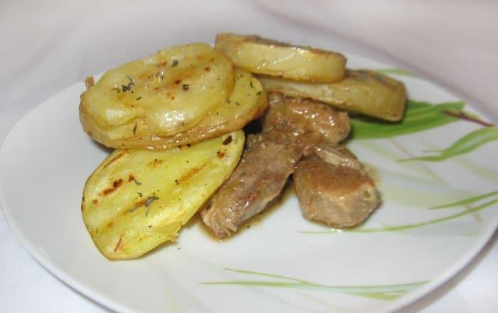Жареный картофель на гриле