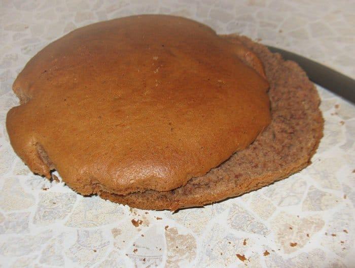 Фото рецепта - Йогуртовый торт с ананасами - шаг 3