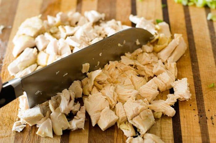 Фото рецепта - Куриный суп с рисом - шаг 3