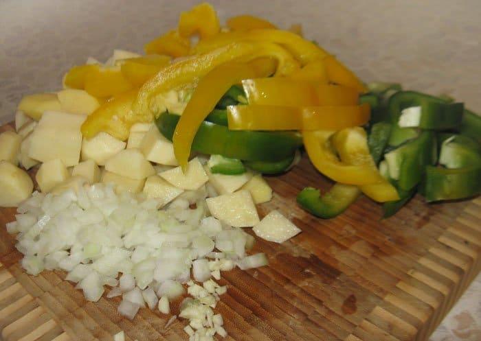 Фото рецепта - Мармитако (тунец, тушенный с картофелем) - шаг 2